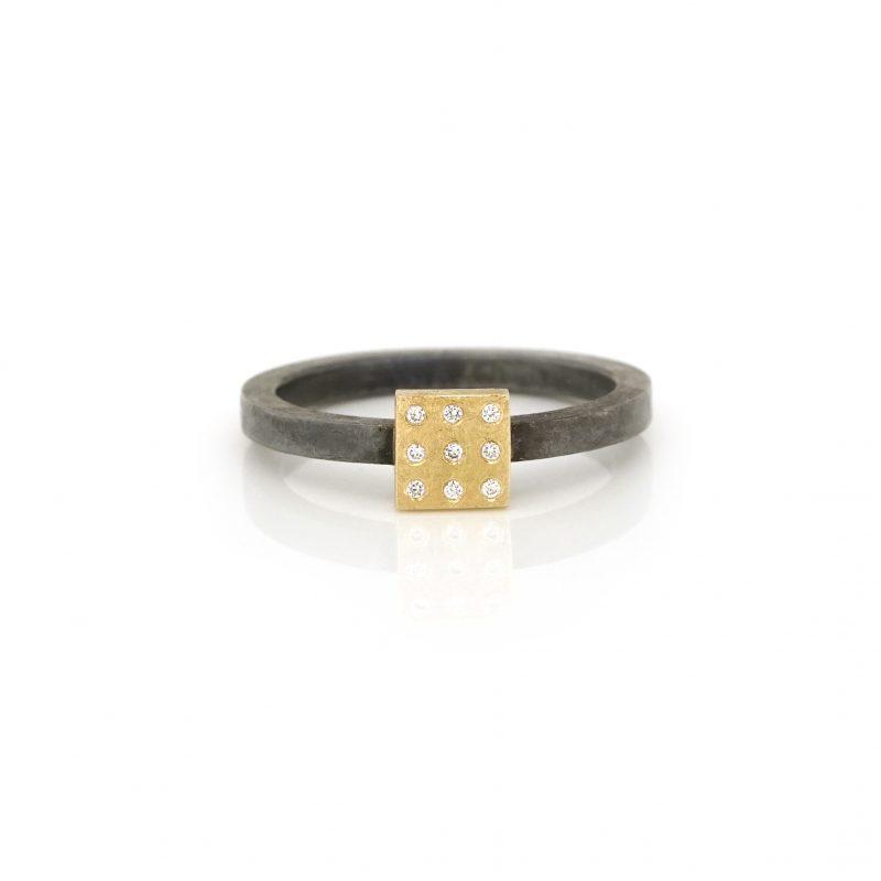 BEbold jewelry - zilveren ring met 18 kt geelgouden vierkantje en diamanten
