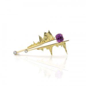 Sabine Eekels - 18 kt geelgouden broche met gesmolten gouden elementen en een kussen geslepen paars/roze saffier en diamanten