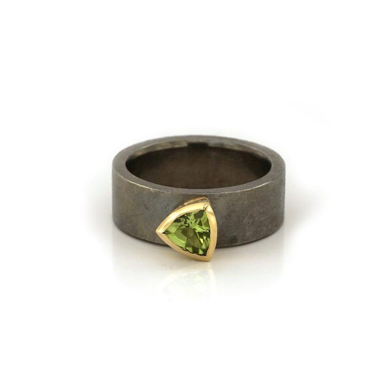 ring-driehoekige-peridot