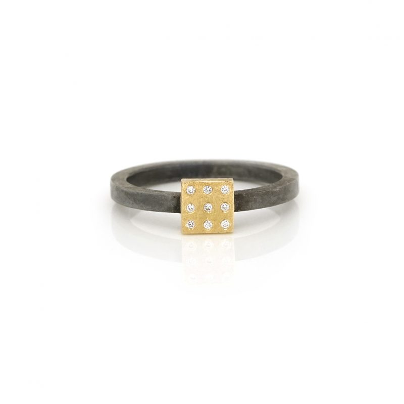stackring zilver met gouden vierkant blok met 9 diamanten BE.rzgd.31.9x005